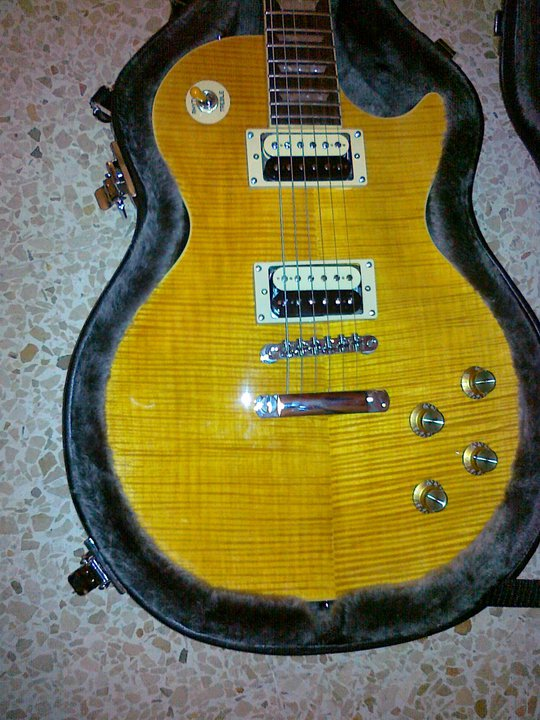 Epiphone Slash 'Appetite' Les Paul (1/2)